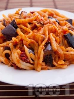 Паста с патладжан и сушени домати - снимка на рецептата